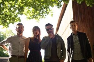 Federal Lights mit ihrem Debütalbum in Europa; Credit: Killbeat Music
