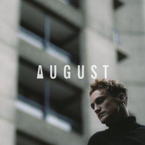 August aus London