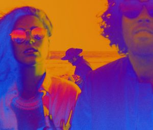 Sibling Newcomer Synth-Pop Duo aus Venice