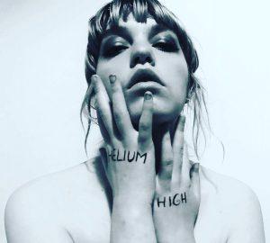 "Producerin Lydmor mit Video ""Helium High"""