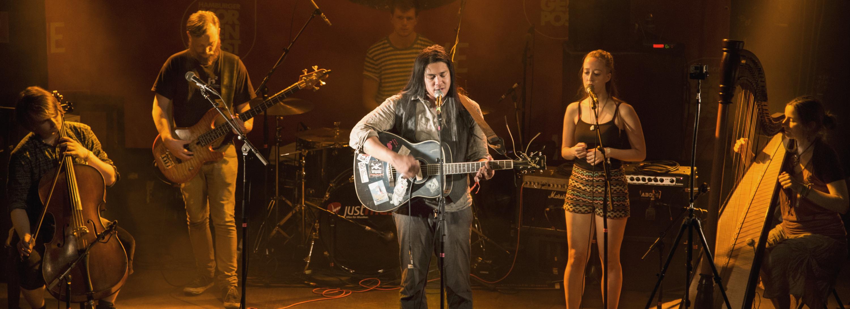 Joseh mit Band beim UPTONE-Festival ©Thorsten Lindner