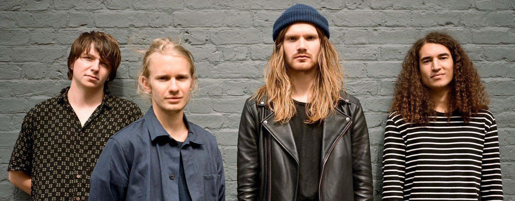 """Überzeugender Alternativ-Rock aus UK London: ISLAND mit ihrem Debüt-Album """"Feels Like Air"""""""
