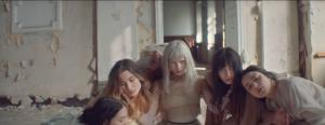 """AURORA zeigt neues Video zu """"Queendom"""""""