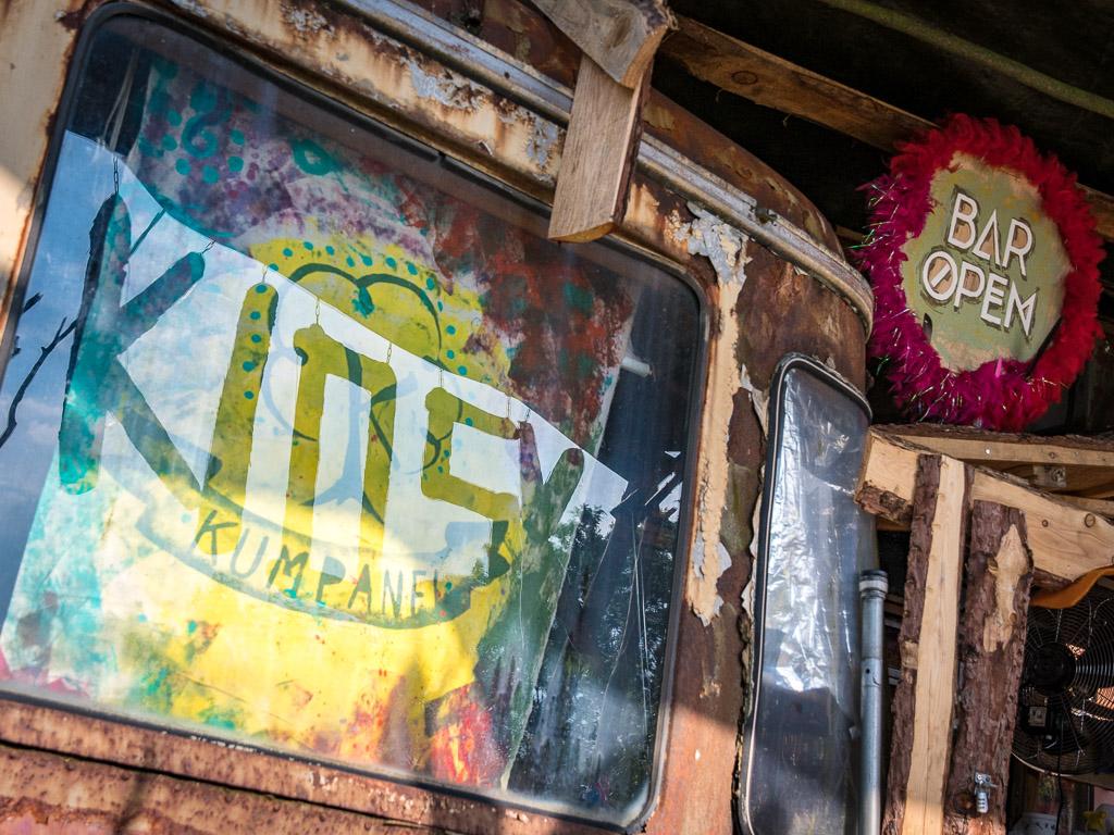 SNNTG-Festival: überall auf dem Gelände finden sich Details, die mit viel Herz, Fantasie und handwerklichen Können entstanden sind