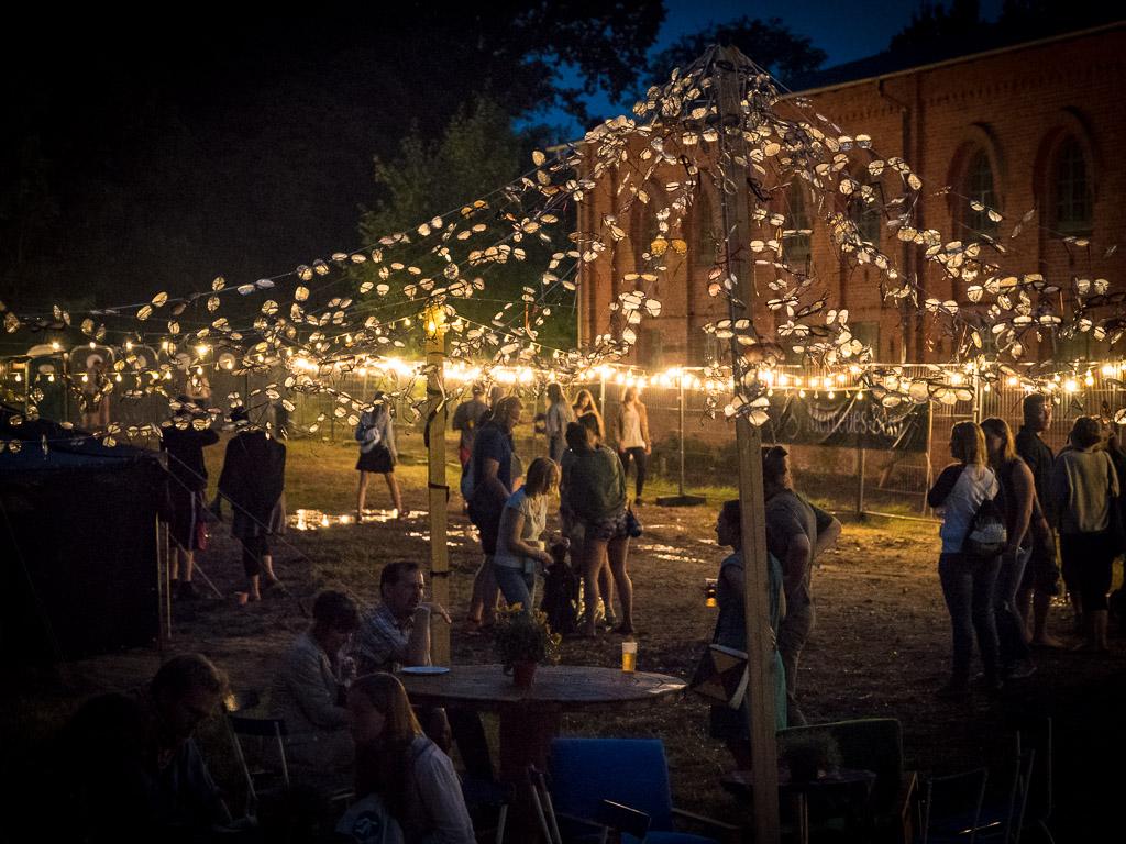 SNNTG-Festival: auch an stimmungsvoller Illumination wurde auf dem Gelände nicht gespart