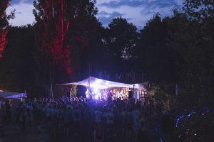 Bunt. Tolerant. Anders. Das SNNTG-Festival möchte seine Besucher wieder mit viel Musik, Kultur und Spass begeistern