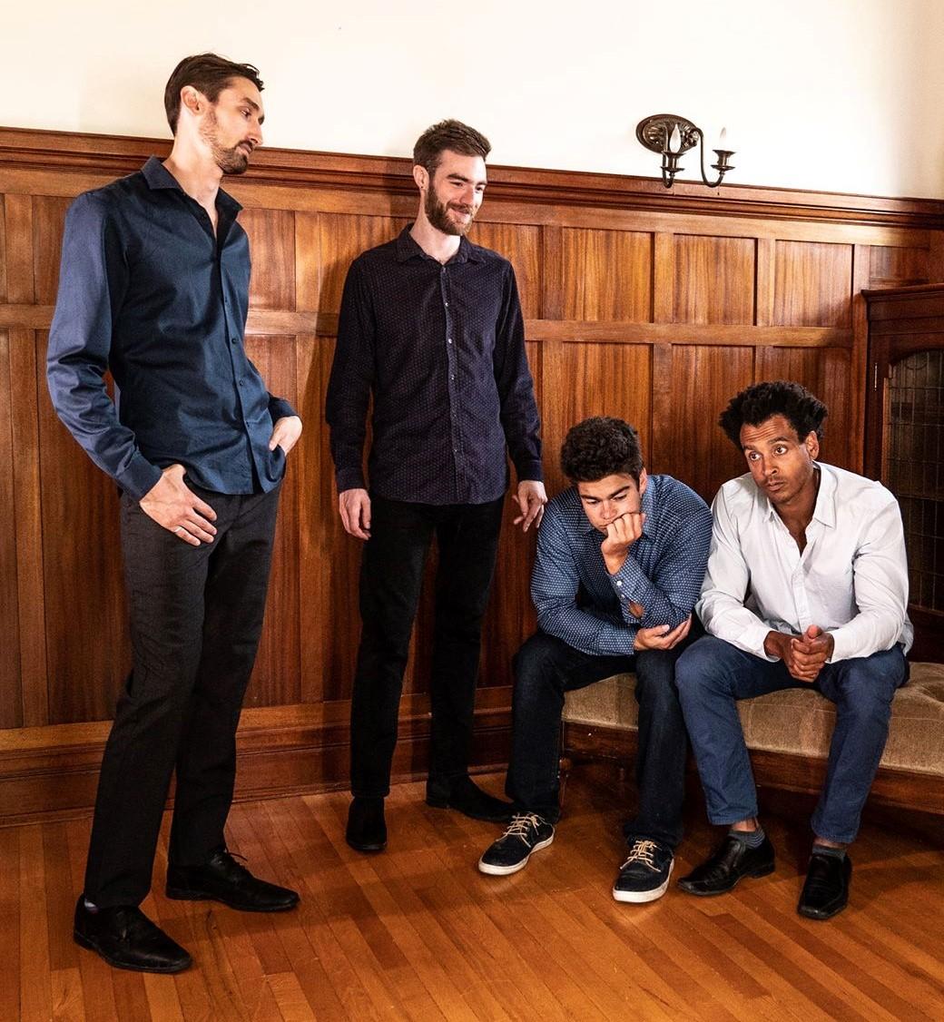 """Mit der neuen Single """"Stuck in Quarantine"""" (feat. Cityreal & Roman Clarke) beweisen Jérémie & The Delicious Hounds einmal mehr ihr Talent für positive Vibes und perfekten Sound"""