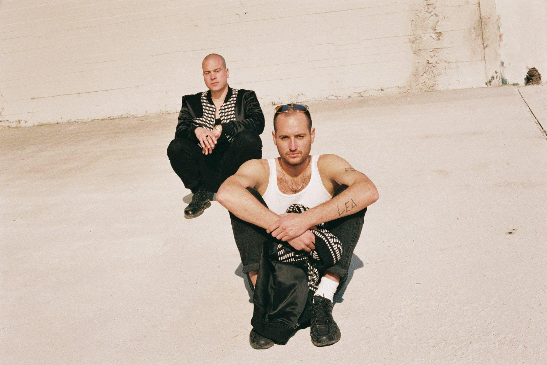 """Hinter dem Namen Lea Porcelain stecken das Duo Julien Bracht und Markus Nikolas, die mit """"Choirs to Heaven"""" das langersehnte zweite Album veröffentlicht haben"""